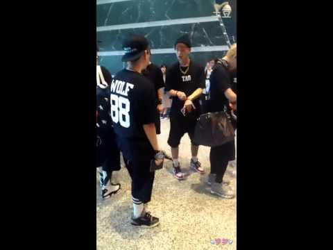 [Fancam] 130526 EXO at Airport