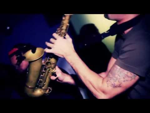 Who Killed The DJ - Percusión acompñada de saxo, violín y Dj.