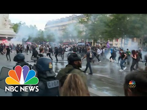 Protests in France Over Virus Pass
