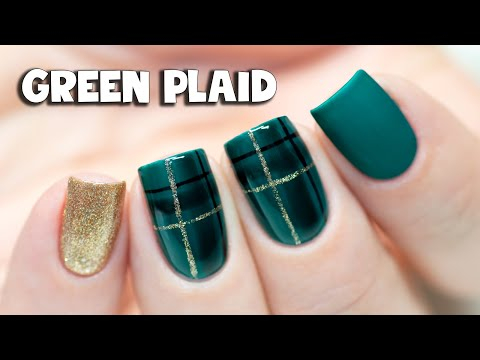 🎄 CHRISTMAS NAIL ART - Hand-painted Plaid Design