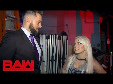 Vidokezo · Mike Rome apologizes to Alexa Bliss: Raw