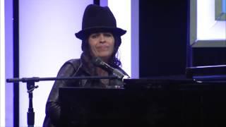 "Linda Perry ""What's Up"" - LA Impact Awards"