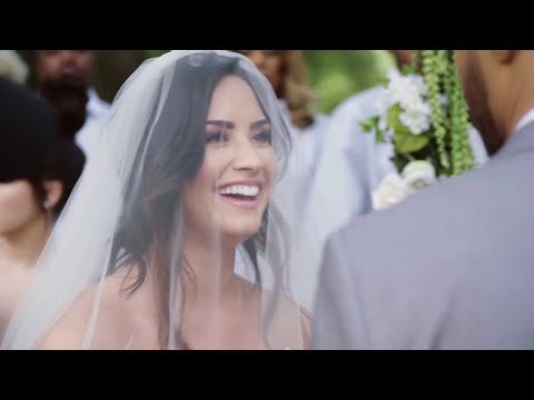 Demi Lovato - Tell Me You Love Me (Behind The Scenes)