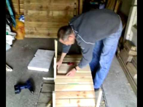 pont en bois pour bassin de jardin youtube. Black Bedroom Furniture Sets. Home Design Ideas