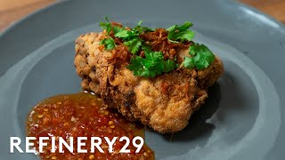 How A Head Chef Makes Fried Chicken In A Tiny Apartment | Good Chef Bad Kitchen | Refinery29