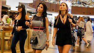 Dubai Mall - World's largest Shopping Mall