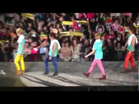 20110716 SHINee 1st concert in Taipei - JoJo & Bodyguard & One 13/13