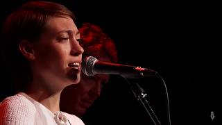 Anna Burch - Party's Over (Live on eTown)