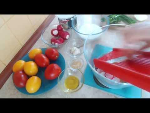 Sałatka z pomidorów i rzodkiewki