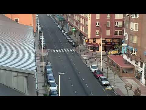 Domingo... un amanecer con las calles desiertas