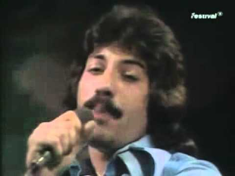 Tony Orlando &  Dawn - Tie A Yellow Ribbon Round The Ole Oak Tree ) TOTP ) 1973