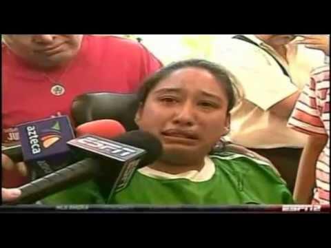 Chicharito Hernandez   Y su Gesto  de  Nobleza Con una Niña Enferma