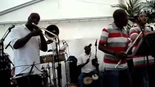 Bekijk video 2 van Siembra op YouTube