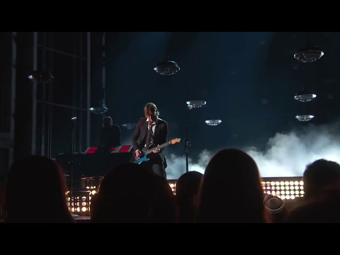 Keith Urban & Carrie Underwood - The Fighter - Live