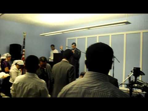 Oración de Apertura, Imnaguración Iglesia Hebreos 12:14 en la Ciudad de Modesto, CA