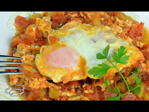 Como hacer pisto con huevos escalfados Recetas de Javier Romero