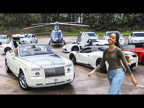 Malia Obama's Lifestyle ★ 2018