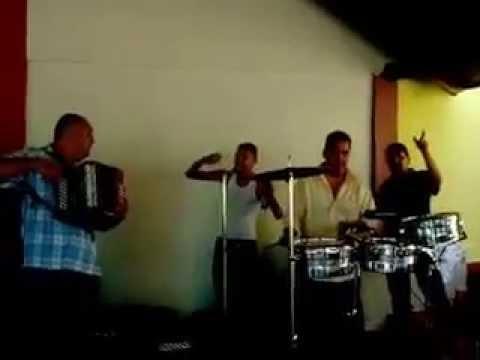 ADAN ZAPATA |BORRACHOS Y GRIFOS| ANDAMOS MARIHUAS| COLOMBIA
