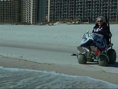 Стогодишна жена за првпат во својот долг живот го гледа океанот