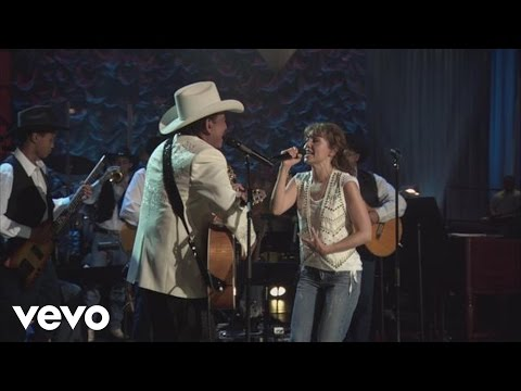 Thalia - Con La Duda (En Vivo) ft. Joan Sebastian