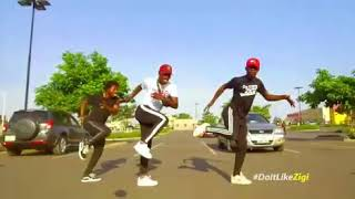 NEW DANCE STEP FROM GHANA!!! #PILOLO by @incrediblezigi