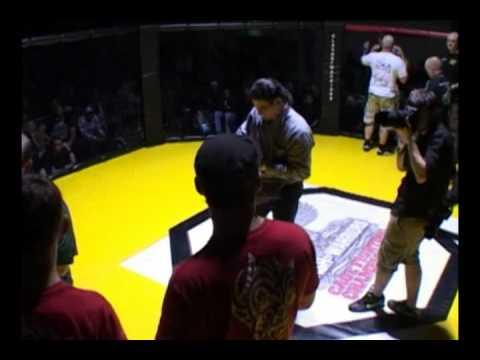 Clash of Warriors - Battleground - Fight 9 round 1 - Lee Johnson vs Johnny Gillan