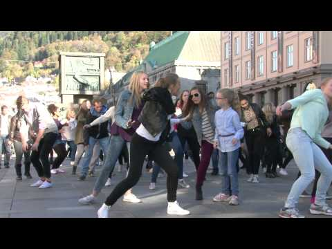 Baixar Ylvis - The Fox Flashmob Bergen, Norway