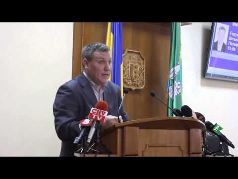 Депутат Назар Горук на сесії Чернівецької облради 11 квітня 2014