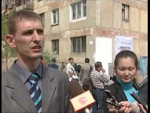 Нанесение Изоллата на фасады домов с участием заместителем акима Астаны (Казахстан)