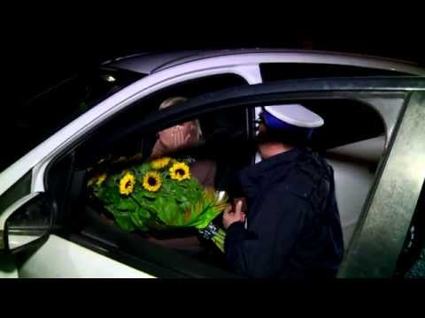 Policjant oświadczył się zatrzymanej!