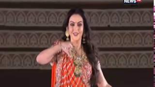 Nita Ambani Dance Performance at Isha Ambani's Pre Wedding Celebrations, udaipur | News18 Telugu