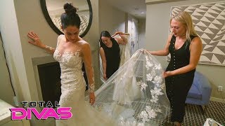 Nikki Bella tries on wedding dresses for the first time: Total Divas Preview Clip: Jan. 31, 2018
