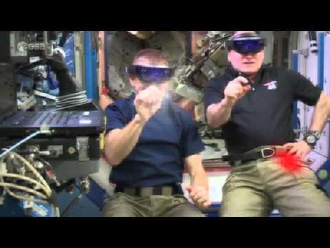 Gli astronauti della Iss giocano a Space Invaders