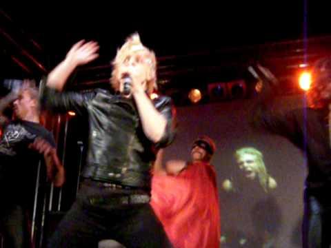 Quest Pistols- Мама  Live ikra 16/09/09
