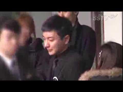 [SSTV] 이특 조부모·부친 발인식, 슈퍼주니어 위로 속 '끝내 눈물...'