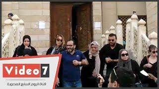 سر غياب شيرين عبد الوهاب عن تشييع جنازة والدها     -