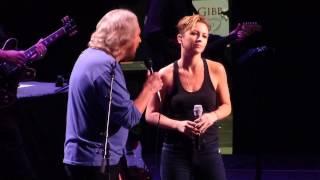 """""""How Can I Mend a Broken Heart?"""" Barry Gibb & Samantha Gibb@Wells Fargo Philadelphia 5/19/14"""