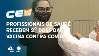 Profissionais de saúde recebem 2º dose da vacina contra covid-19