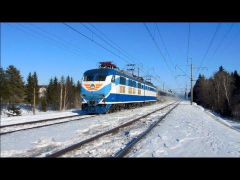 Электровоз ЧС200-004 с поездом