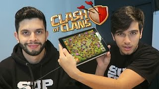 ROUBEI A VILA DO PLAYHARD NO CLASH OF CLANS E.......