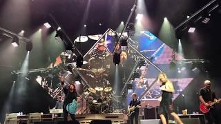 "Foo Fighters ""Under Pressure"" with Fan Pierce Edge - Columbia, SC 10/17/17"