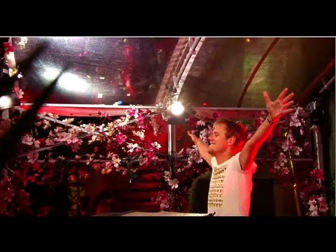 Baixar Armin van Buuren Live at Tomorrowland 2013 (Full DJ Set)