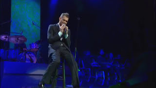 Michael Bublé - Me & Mrs. Jones at Madison Square Garden [Live] - YouTube