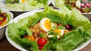 Mì trộn Trứng và Tóp Mỡ - Cách làm món Mì trộn hấp dẫn thật nhanh cho bữa sáng by Vanh Khuyen