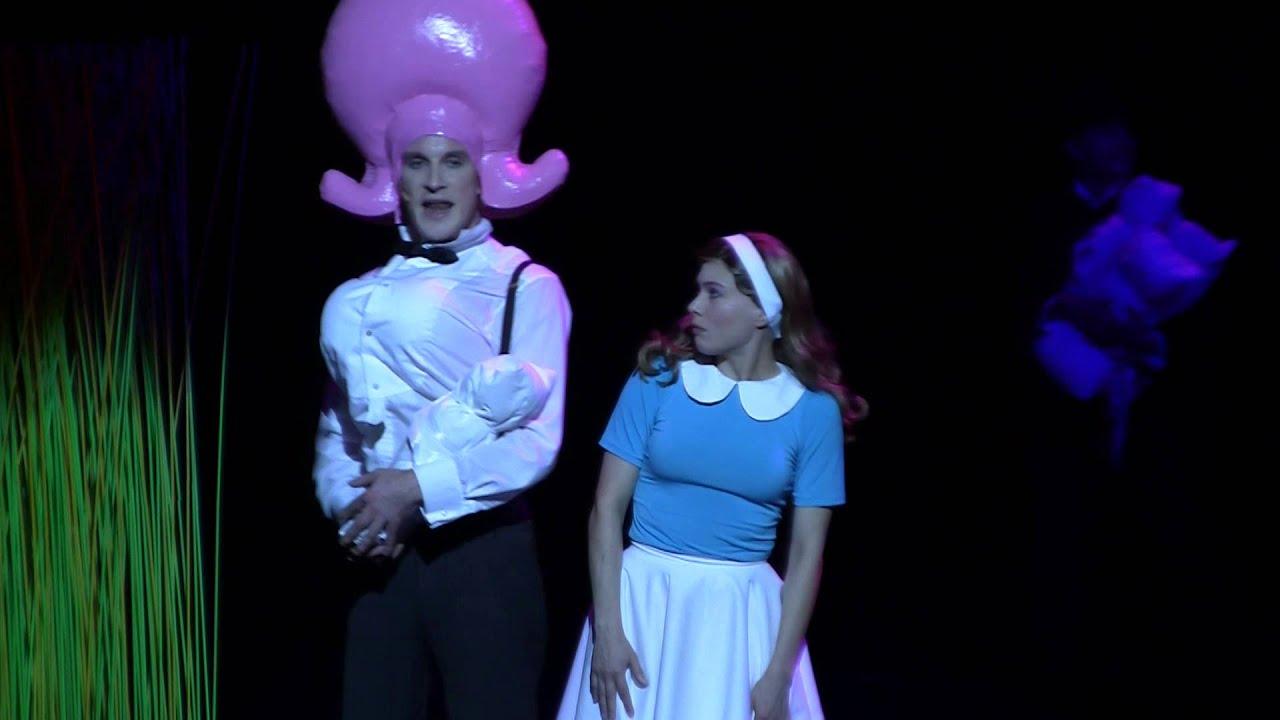 Theater Münster: ALICE, Familienstück Von Katja Hensel