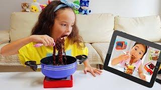 뽀로로 짜장면 Mukbang Cooking Black Noodles like a Boram Kids Pretend Play