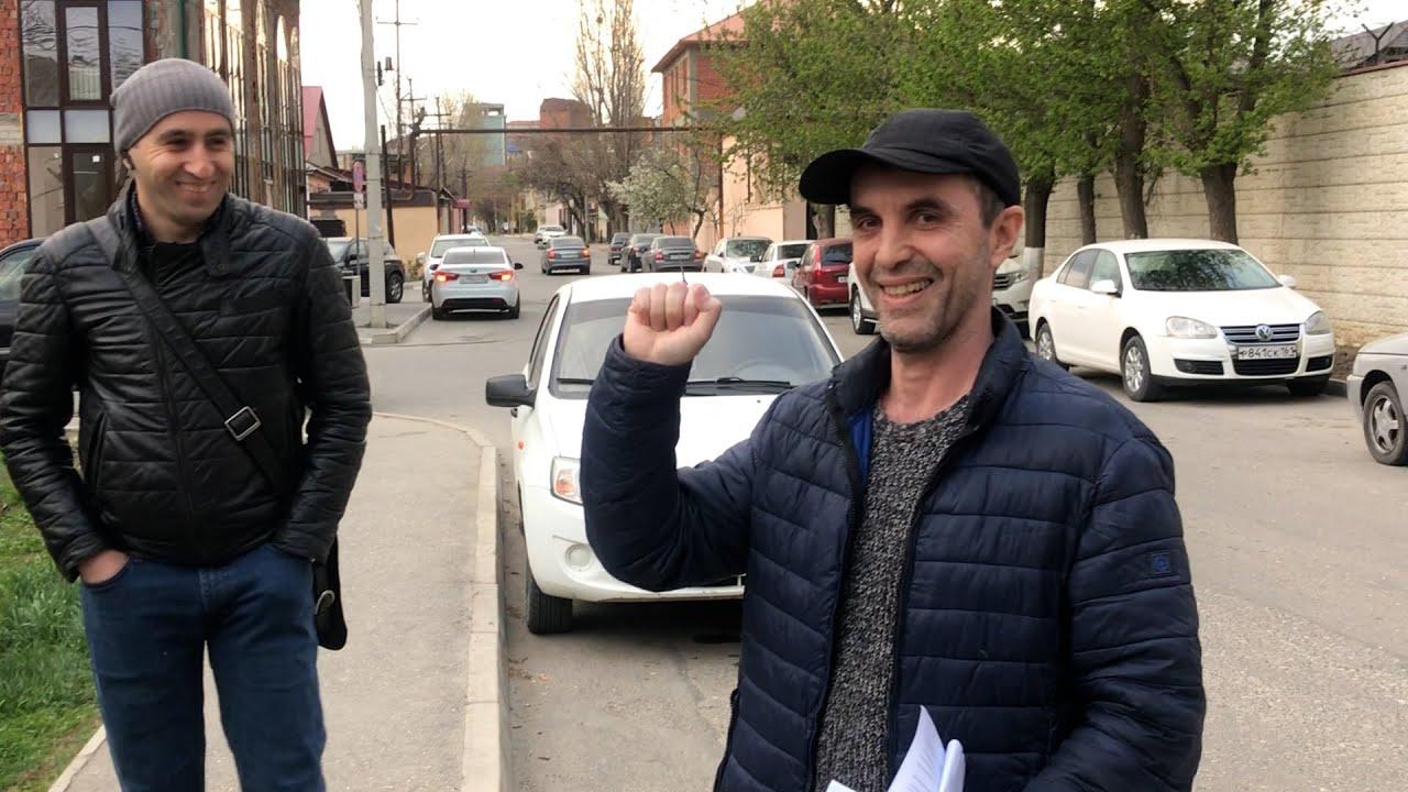 Сотрудника штаба Навального освободили в Махачкале
