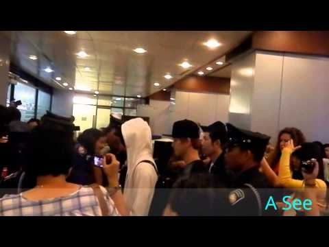 [09/07/12] SHINee and Exo K arrival in Manila Airport