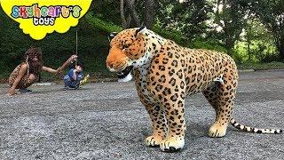 JAGUAR chasing a CAVEMAN | Skyheart and Daddy found wild animal cheetah leopard toys kids