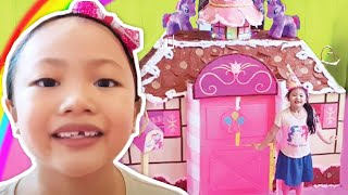 Giant Pinkie Pie Box Fort House | MLP Pretend Play